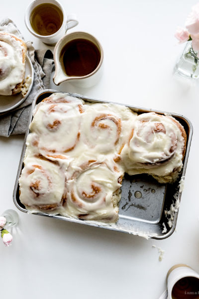 Easy 6-ingredient Cinnamon Buns